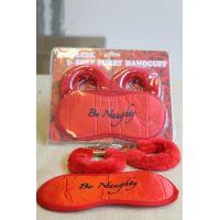 Набор Fantasy красные мягкие наручники и маска