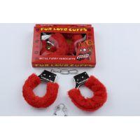 Наручники меховые сувенирные красного цвета с двумя ключами