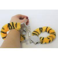 Наручники тигровые плюшевые 329109