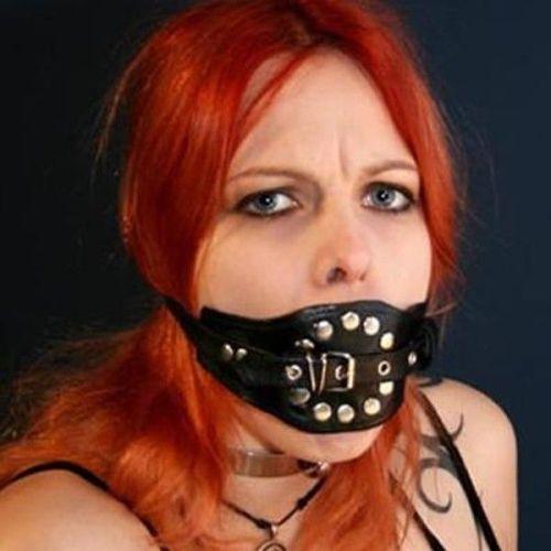 Намордник черный с кляпом для рта БДСМ