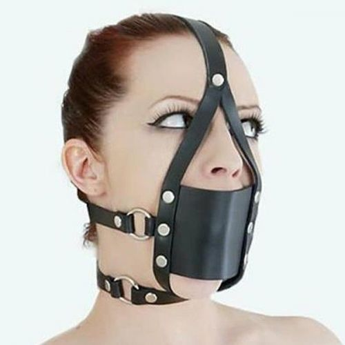 Черный кожаный намордник с круглым кляпом в рот для БДСМ