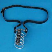 Кожаный черный фиксатор на пенис с пятью металлическими кольцами для БДСМ