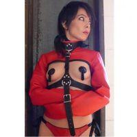 Красный кожаный бондаж-жакет для БДСМ