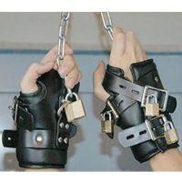 Кожаные ремни на запястья для БДСМ подвешивания черный