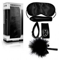 Набор для БДСМ черный (маска,щекоталка,наручники,вибратор) Lovetoy