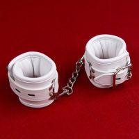 Белые кожаные наручники для БДСМ-игр