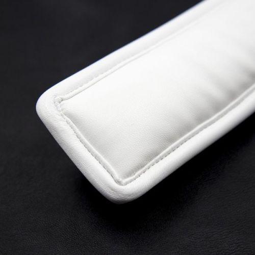 Кожаный белый ошейник с мягкой подкладкой Unisex для БДСМ