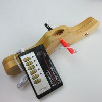 Деревянный зажим для пениса и мошонки с электростимуляцией размер S
