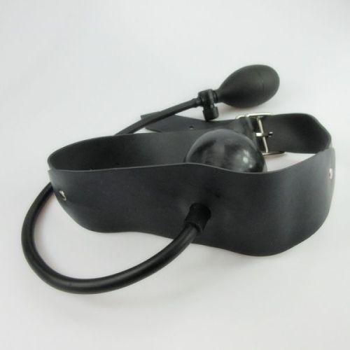 Надувной кляп в рот из латекса для БДСМ черный