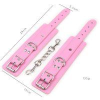 Розово-красные сережки - наручники с заклепками