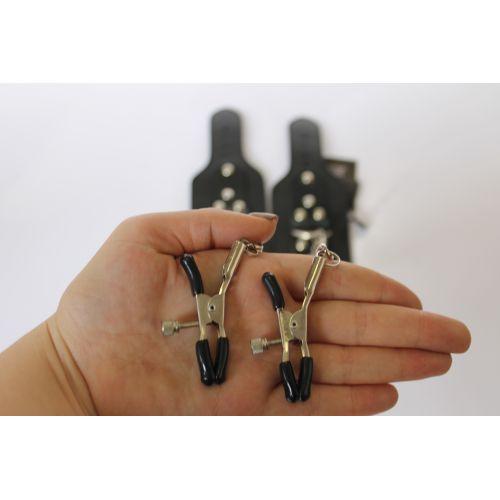 Зажимы на соски c наручниками из натуральной кожи Scappa