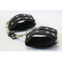 Наручники кожаные с металлическими деталями на липучках Notabu чёрные L 22,5 см