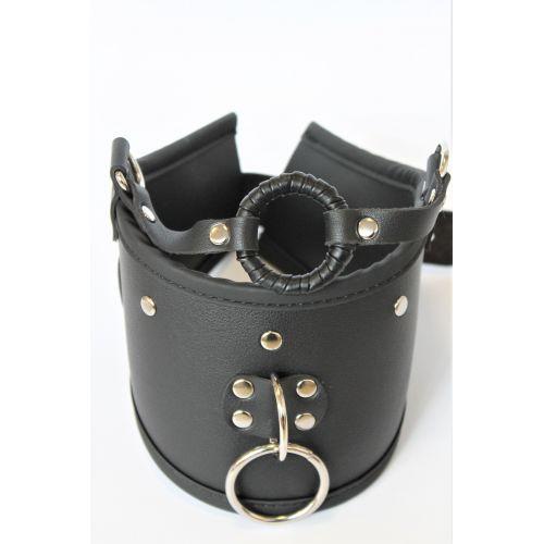 Ошейник-кляп в виде кольца из экокожи универсального размера L 42 см Notabu чёрный