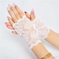 Кружевные перчатки белые SKN-C016