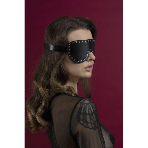 Маска закрытая на глаза с заклепками Feral Feelings черная для БДСМ